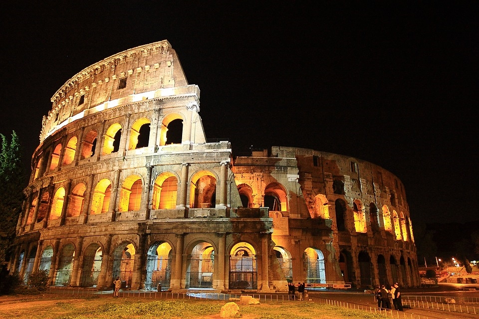 Colosseo rosso